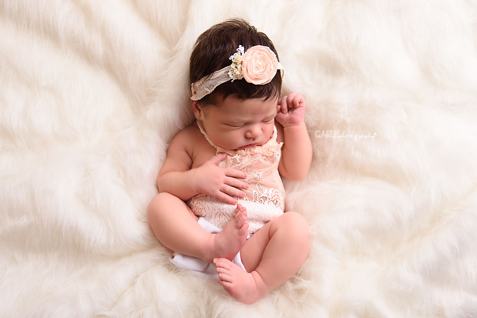 Newborn-photographer-columbus-ohio-baby-photographer-studio-dublin-hilliard-powell10.jpg