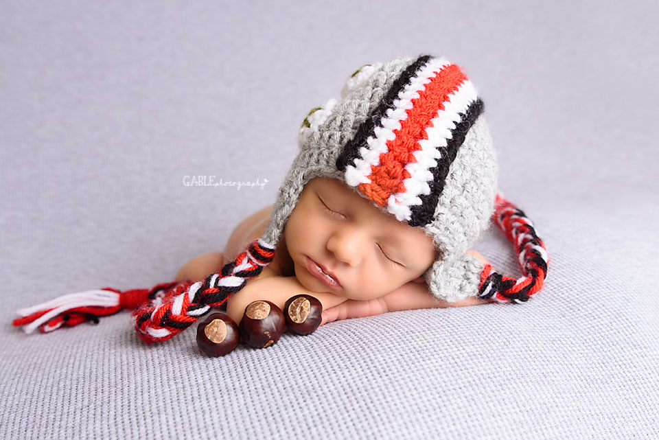 Newborn-photographer-columbus-ohio-baby-photography-studio-dublin-hilliard-powell-buckeyes.jpg