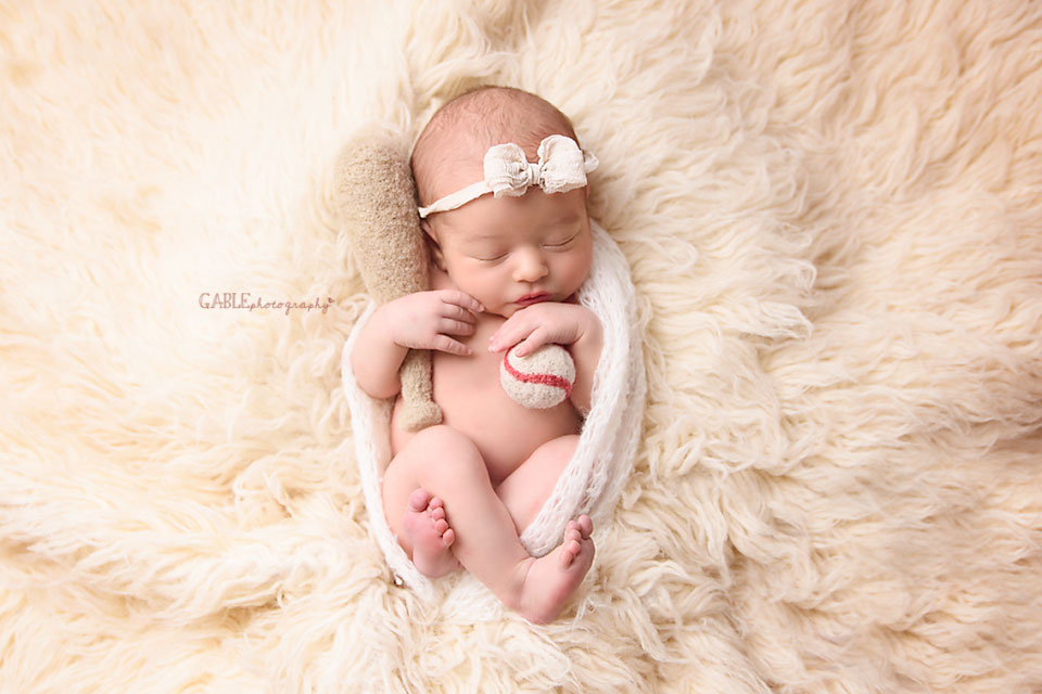 Newborn-photographer-columbus-ohio-dublin-hilliard-upperarlington-grandview-powell-studio-photography-babyphotos_1.jpg