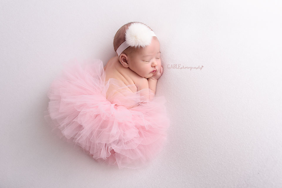 Newborn-photographer-columbus-ohio-dublin-hilliard-upperarlington-grandview-powell-studio-photography-babyphotos_5.jpg