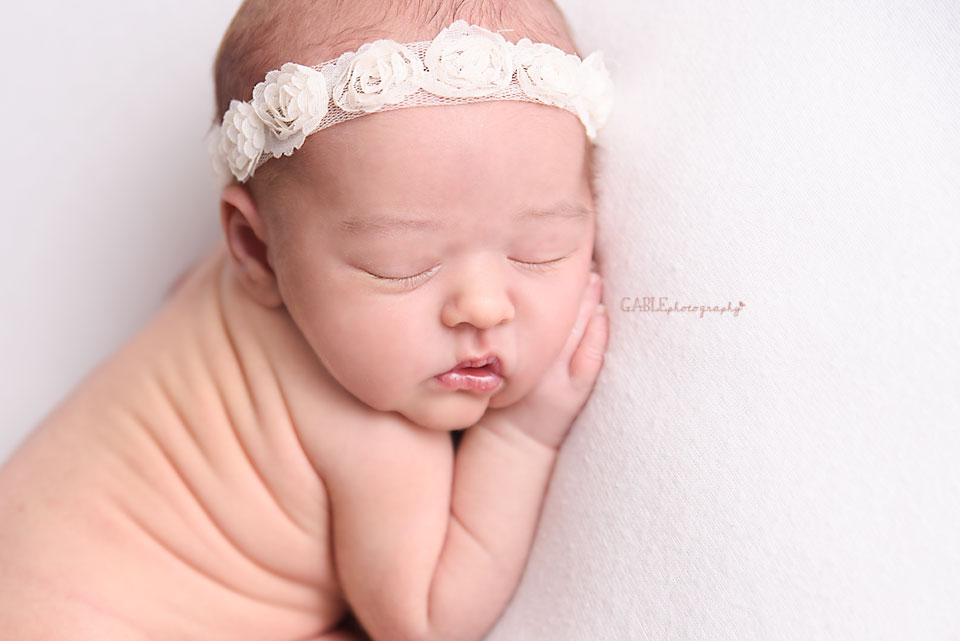 Newborn-photographer-columbus-ohio-dublin-hilliard-upperarlington-grandview-powell-studio-photography-babyphotos_6.jpg