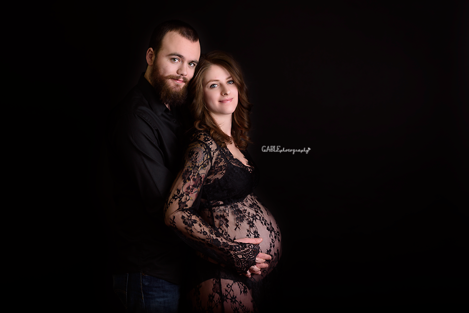 Columbusohiomaternity-photographer-studio-pregnancy-photos-dublin-ohio-hilliard-powell-2.png