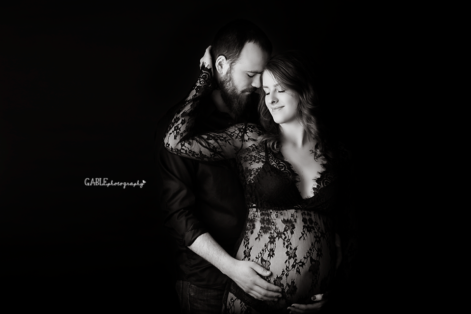 Columbusohiomaternity-photographer-studio-pregnancy-photos-dublin-ohio-hilliard-powell-6.png