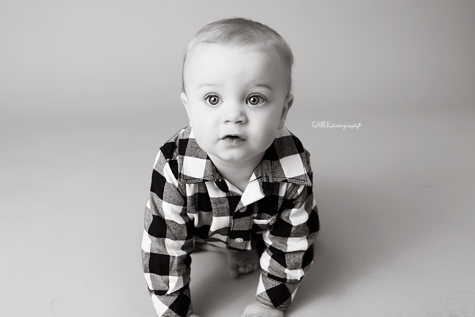 Columbus ohio baby photography studio, baby photographer, 1 year portraits, one year photos, cake smash session, fine art portrait studio, children, hilliard, dublin, powell, upper arlington, worthington, grandview ohio