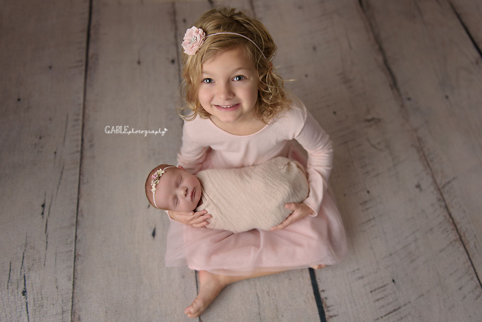 newborn photographer upper arlington ohio