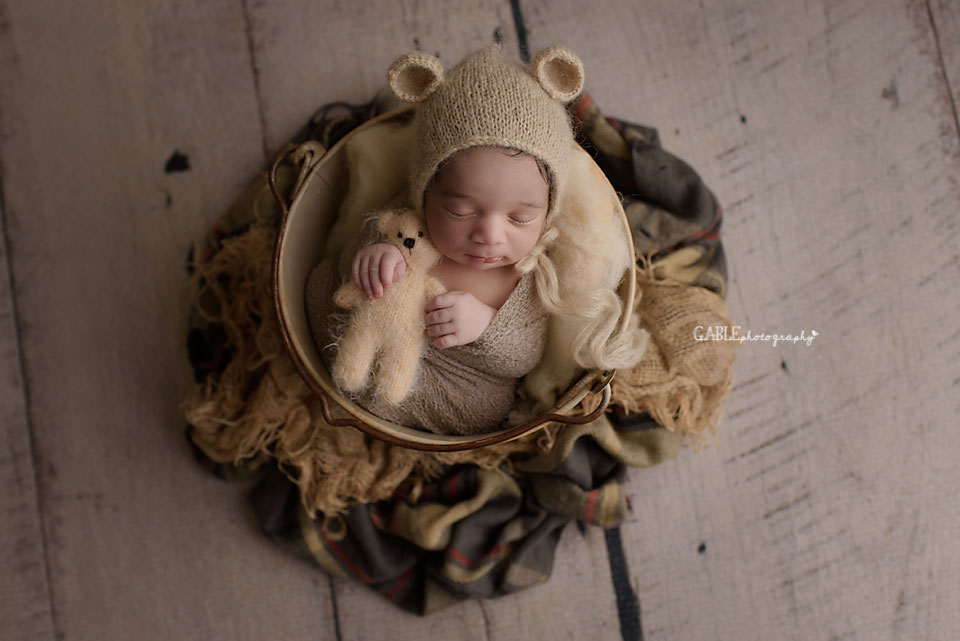 newborn photographer columbus ohio studio
