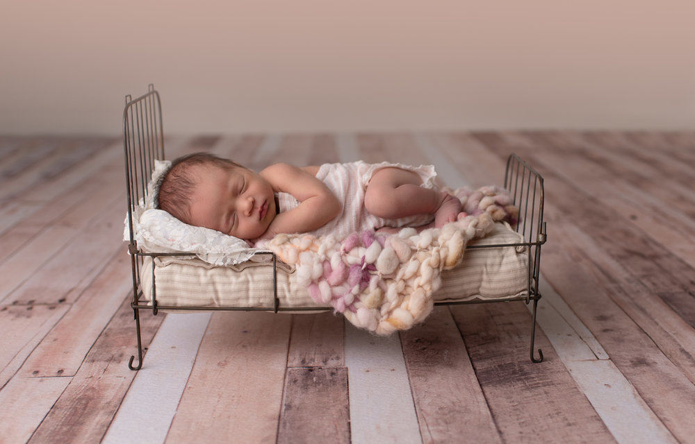 Newborn-photographer-columbus-ohio-baby-girl14.jpg