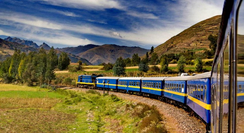 tour-by-train-to-machu-picchu-kusa-treks-luxury-packages.jpg