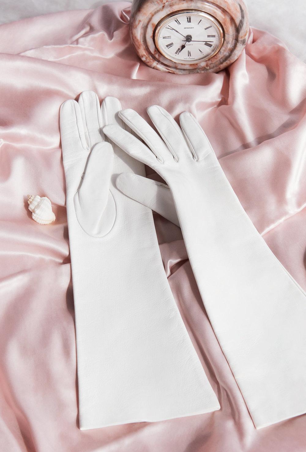 ATARAH_181004_Gloves_006_RT_Web.jpg