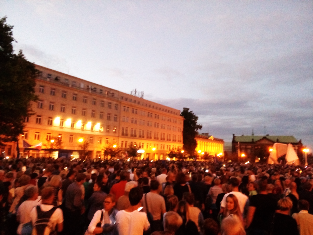 Poznaners protesting the dismantling of the Supreme Court in Poland, July 3, 2018. (Image courtesy of the author.)
