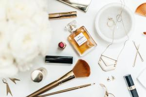 Beauty & Style - How to Create Your Signature Style + Wardrobe Planning, Beauty Routines,Time-saving Tips and Tricks
