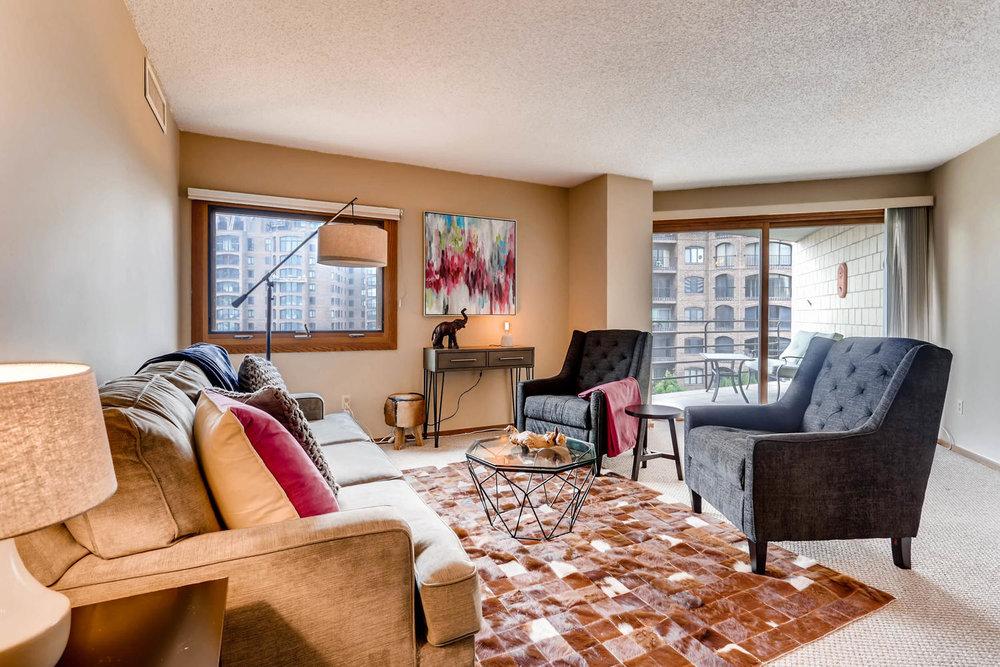 1225 Lasalle Ave 1102-large-006-6-Living Room-1500x1000-72dpi.jpg