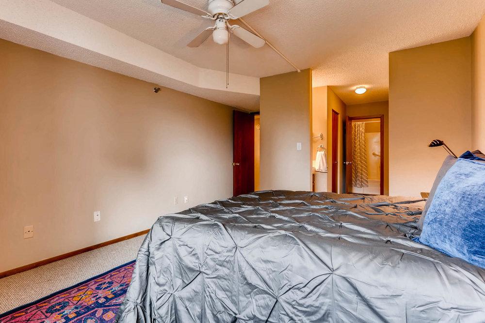 1225 Lasalle Ave 1102-large-013-15-Master Bedroom-1500x1000-72dpi.jpg