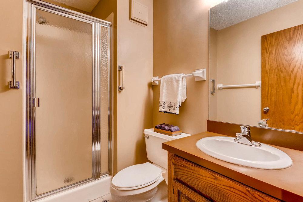 1225 Lasalle Ave 1102-large-018-19-Bathroom-1500x1000-72dpi.jpg