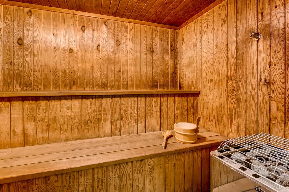 1225 Lasalle Ave 1102-large-022-26-2nd Floor Sauna-1500x1000-72dpi.jpg