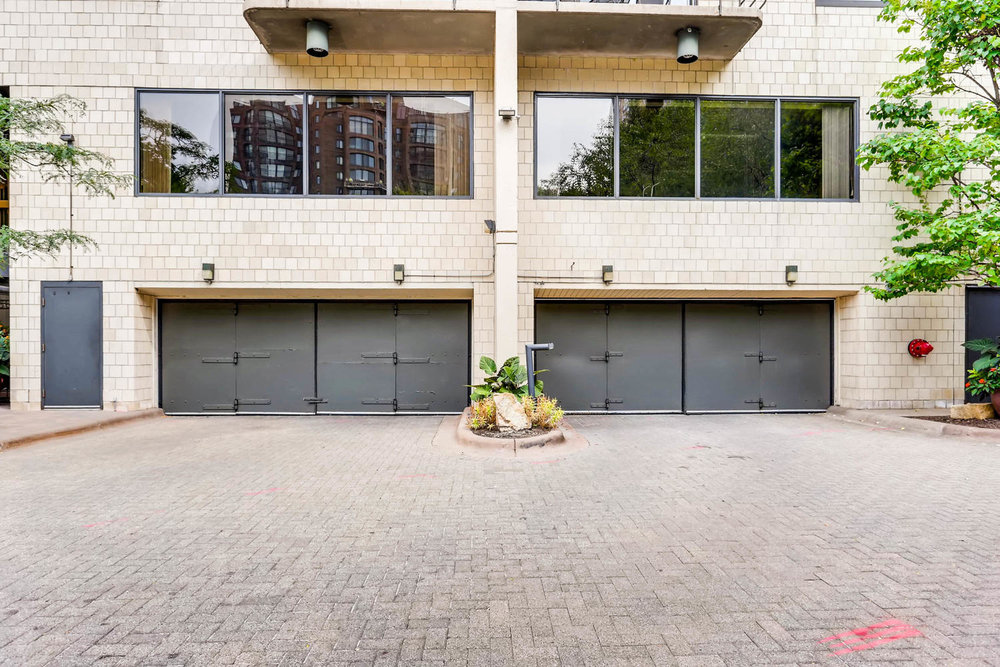 1225 Lasalle Ave 1102-large-028-14-Garage Entrance-1500x1000-72dpi.jpg