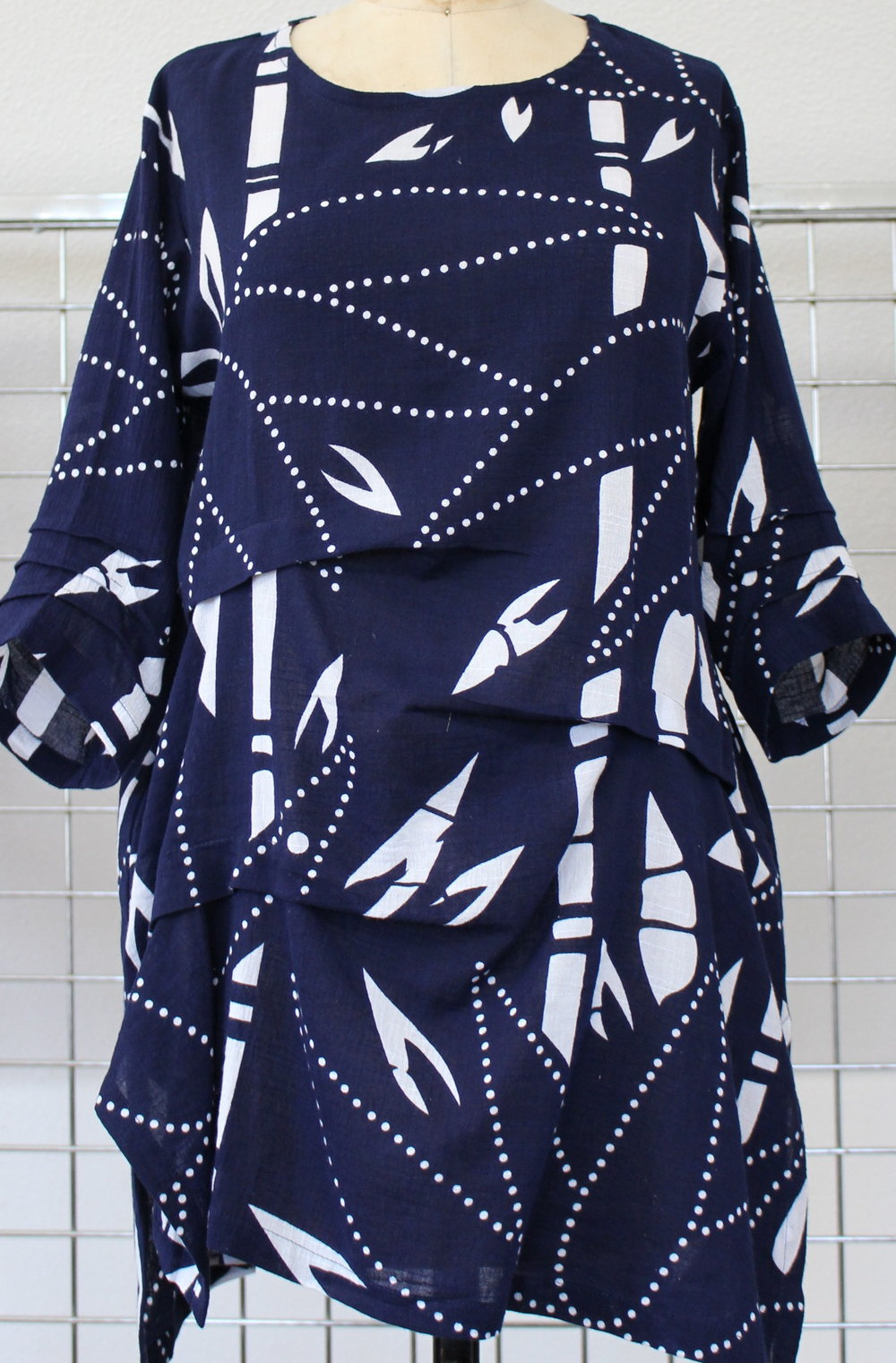 BA-  192     Waterfall Tunic    S/M   M/L   XL     Navy