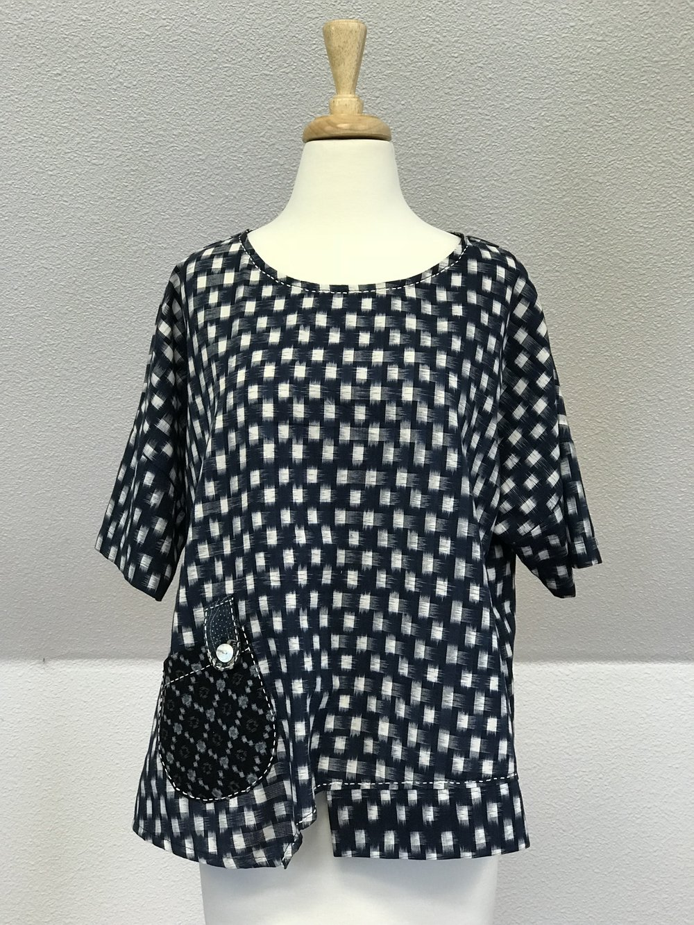 Sashiko One Pocket Blouse - Ikat textile body , Vintage Kasuri Pocket with Sashiko stitchesNavy / Natural     100% Cotton