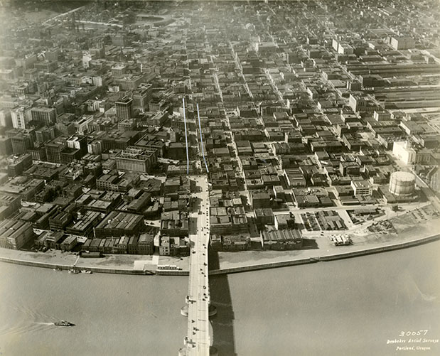 1929 Jan 31_Front Ave Sewer aerial view of completed Harbor Wall taken from above the Burnside bridge_A1999-004.54.jpg