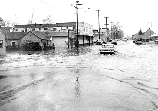1964 Flood Salem Oregon_Credit Statesman Journal.jpg