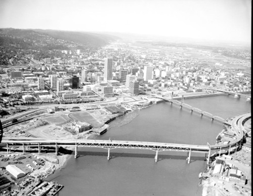 Harbor%20Dr%20[Riverplace]%20aerial%20from%20south%20of%20Marquam%20Bridge.jpg