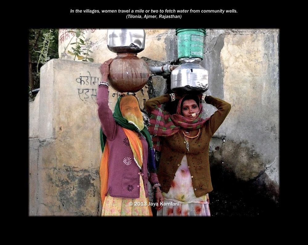 rajasthan_women_carrying_water_vessels.jpg