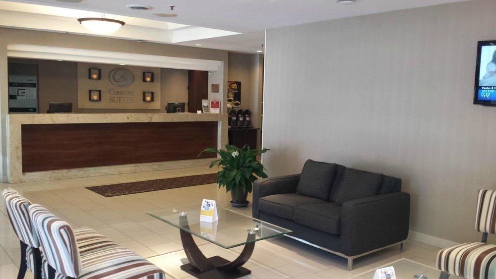 comfort-suites-downtown-2.jpg