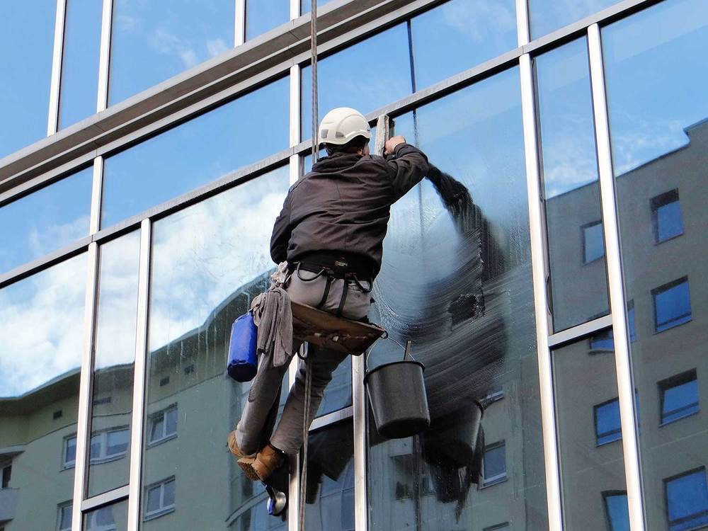 What do you use to clean exterior window washers