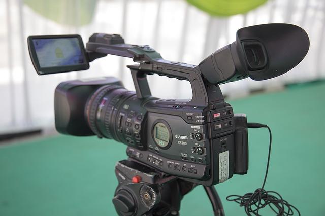 video-camera-1197571_640.jpg