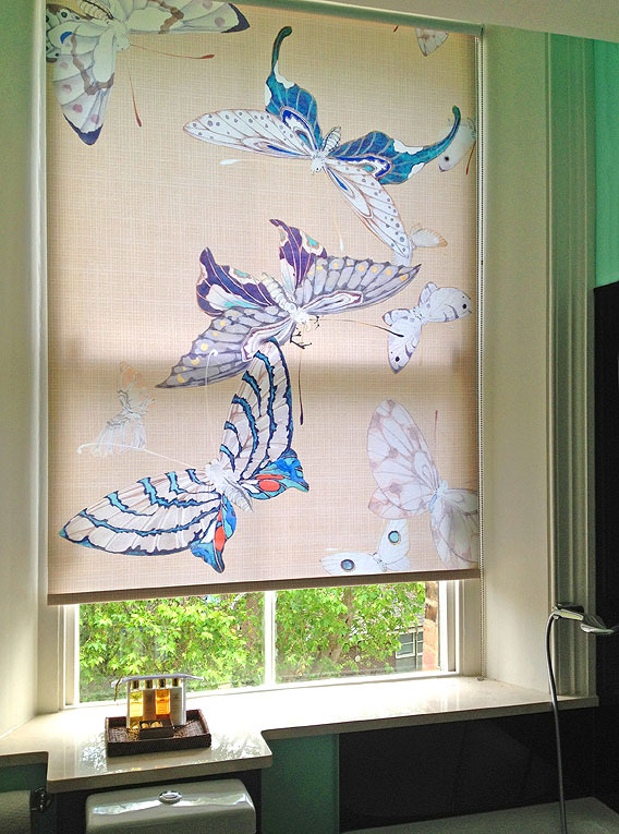 BATHROOM BLIND For the window of the Eau-de-Nil and black master bathroom, I had this roller blind printed with details of the butterflies from the Japanese screens in the bedroom.