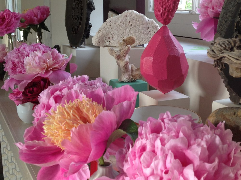 ASHLEY HICKS INSTAGRAM TABLESCAPE peonies