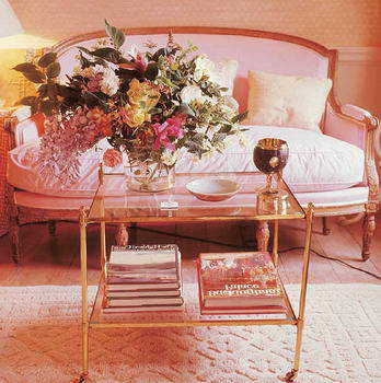 DAVID HICKS INTERIOR DESIGNER PINK SOFA COUCH FLOWERS