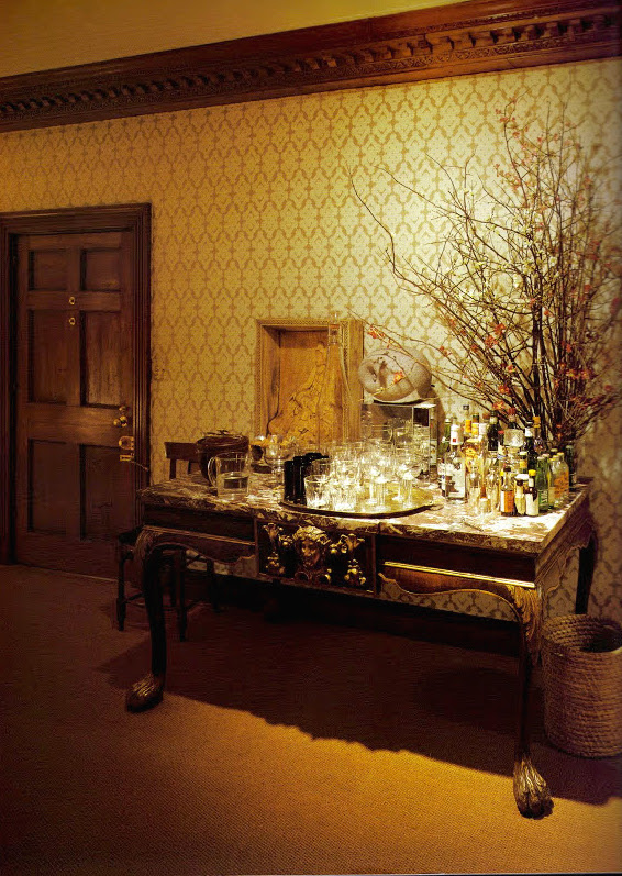 DAVID HICKS INTERIOR DESIGNER TABLESCAPE HALLWAY