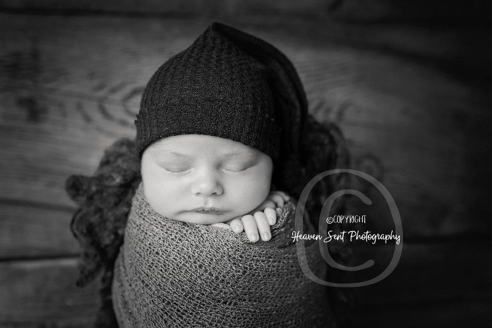 wyatt_newborn (25 of 66).jpg