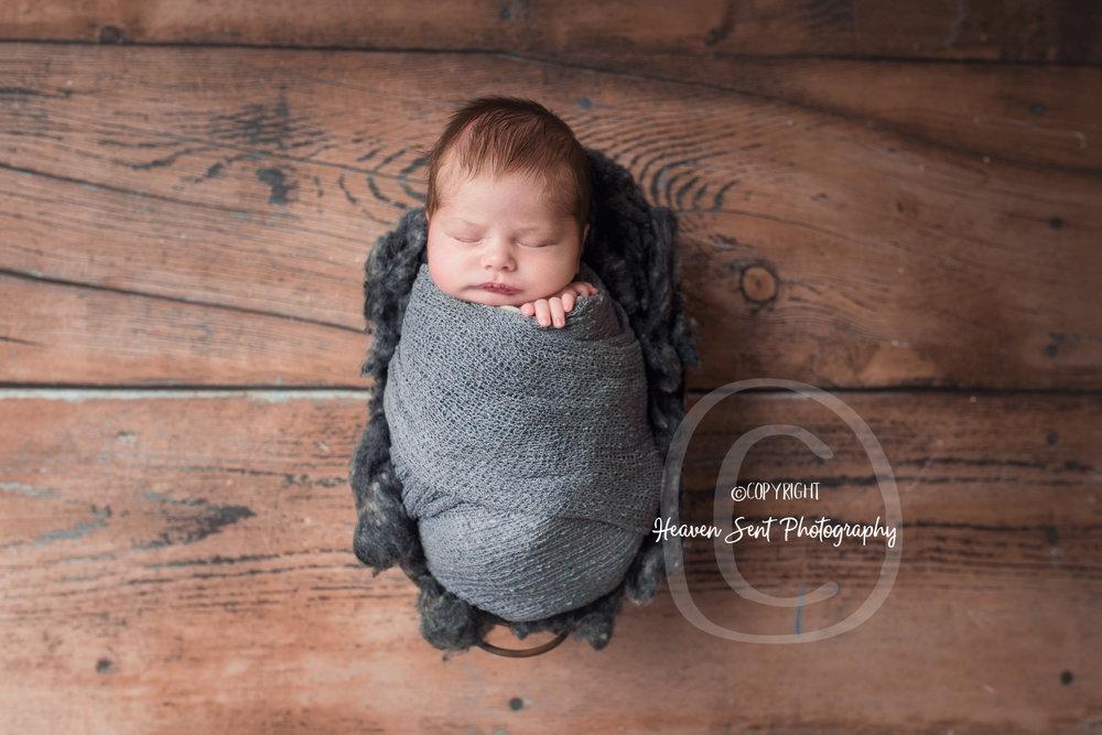 wyatt_newborn (21 of 66).jpg