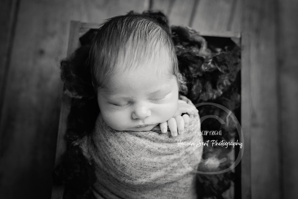 wyatt_newborn (40 of 66).jpg