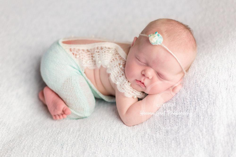 cora_newborn (29 of 61).jpg