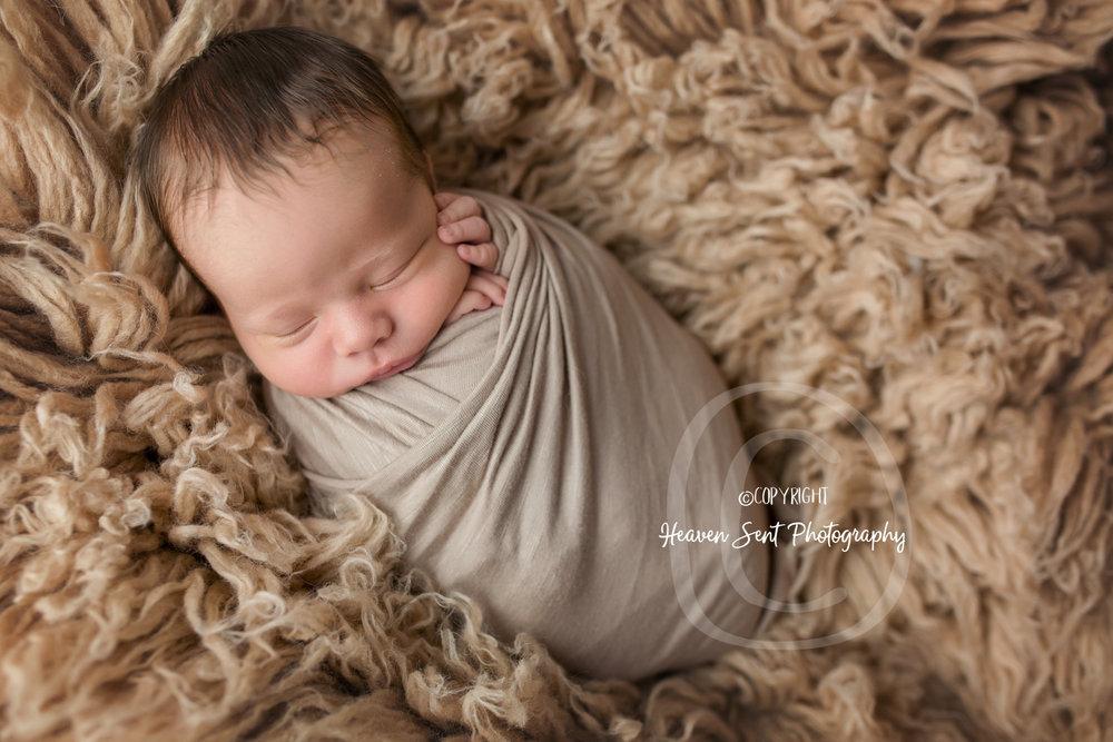 leo_newborn (3 of 52).jpg