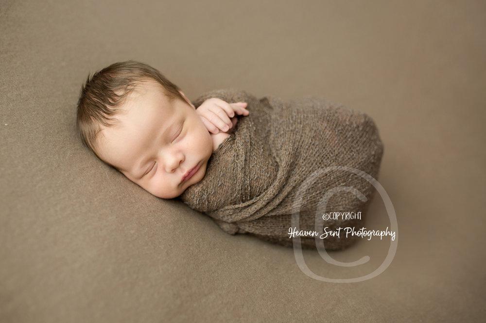 leo_newborn (9 of 52).jpg