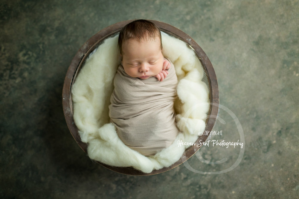 leo_newborn (23 of 52).jpg