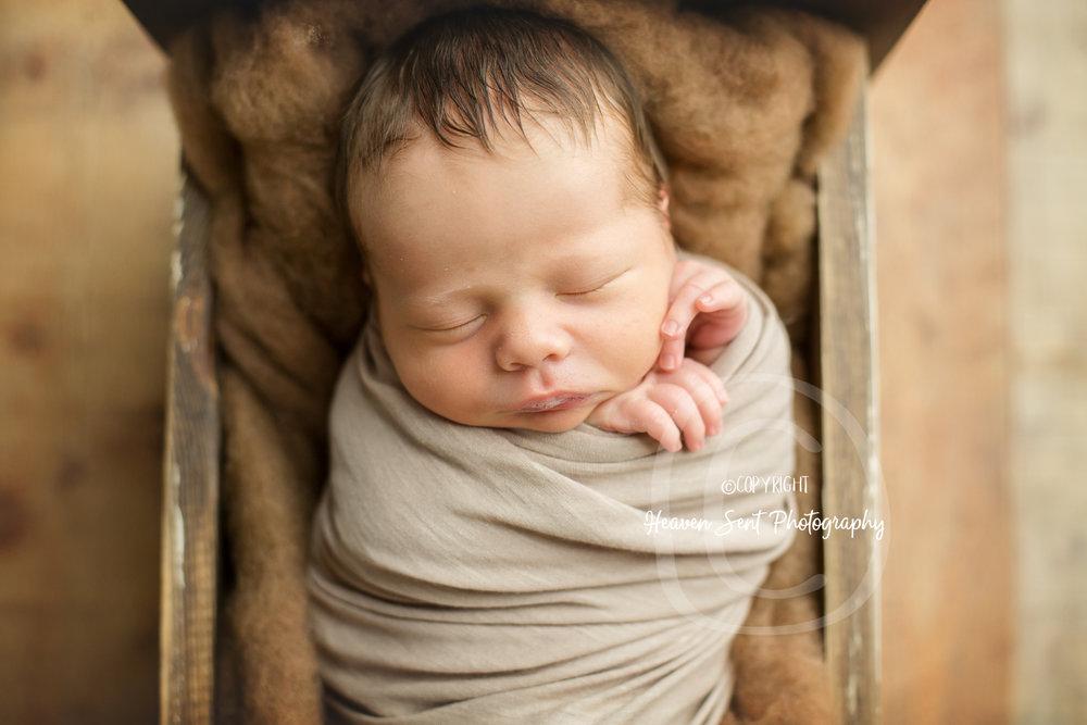 leo_newborn (30 of 52).jpg