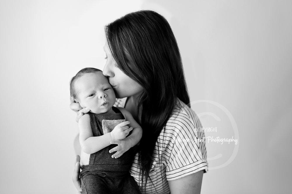 leo_newborn (51 of 52).jpg
