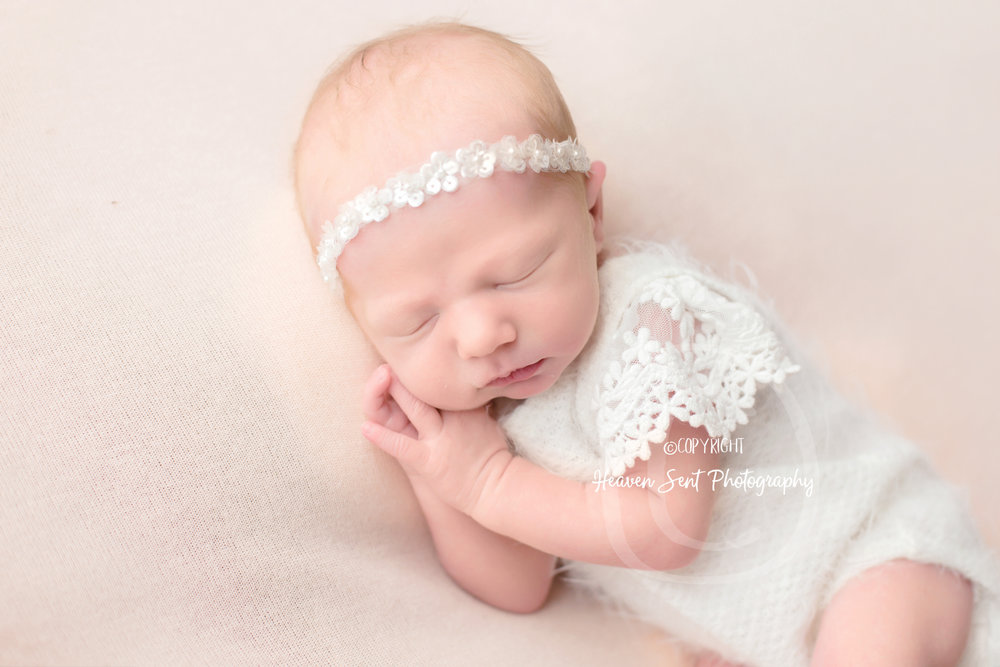 zoey_newborn (26 of 44).jpg