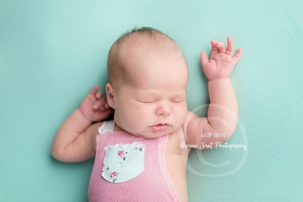 ann_newborn (32 of 53).jpg