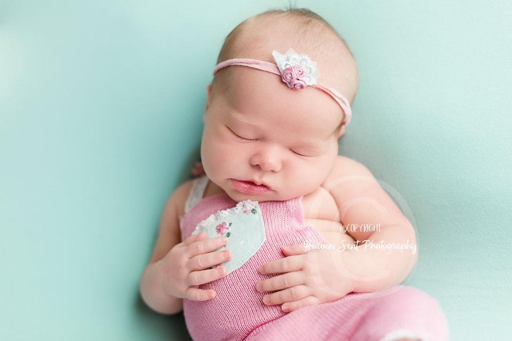 ann_newborn (35 of 53).jpg