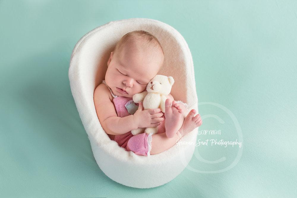 ann_newborn (52 of 53).jpg