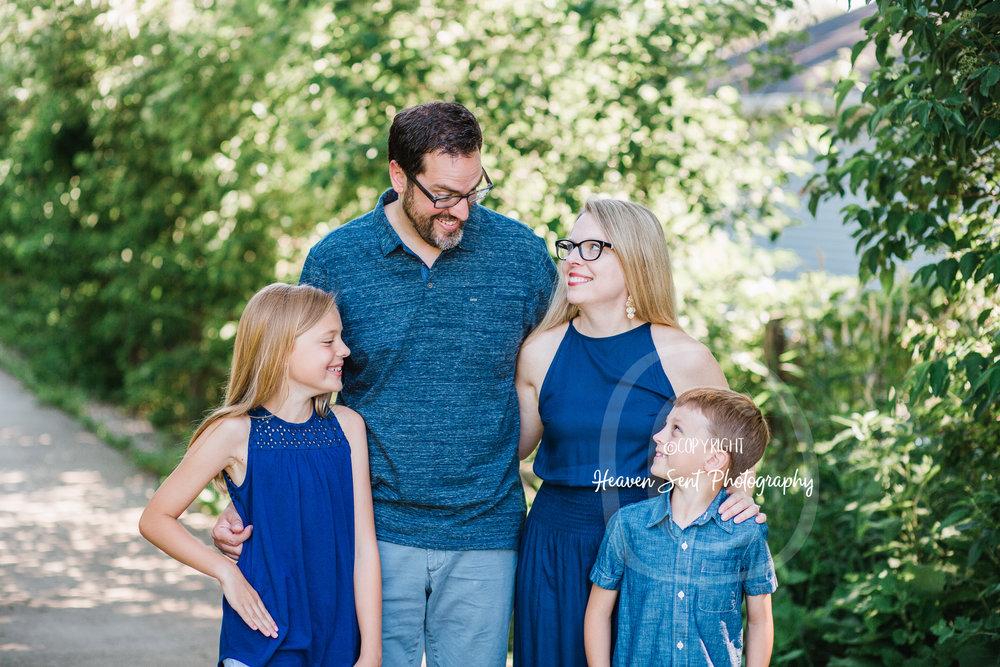 michels_family (12 of 49).jpg