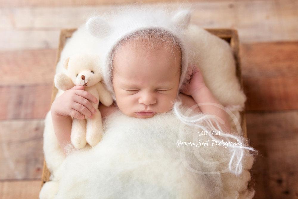 scotty_newborn (17 of 65).jpg