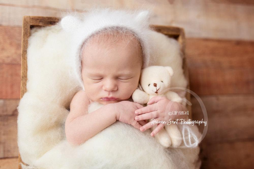 scotty_newborn (21 of 65).jpg