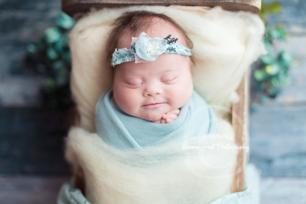 brinley_newborn (2 of 56).jpg